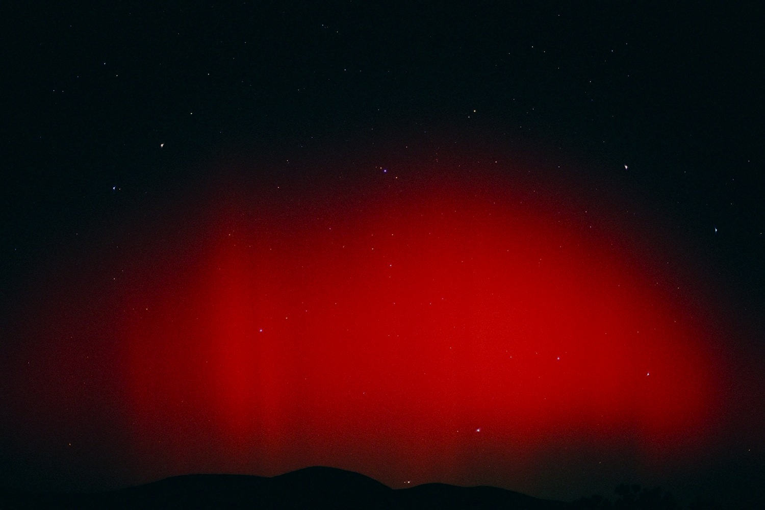 California Northern Lights: Red Aurora on October 29, 2003
