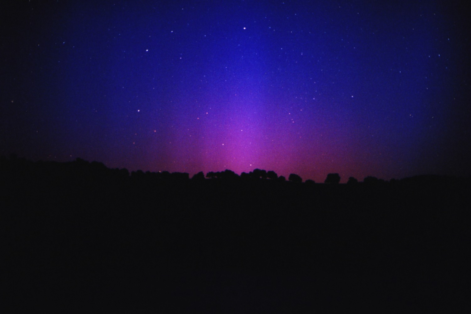 California Northern Lights: Red-Blue Aurora on July 27, 2004